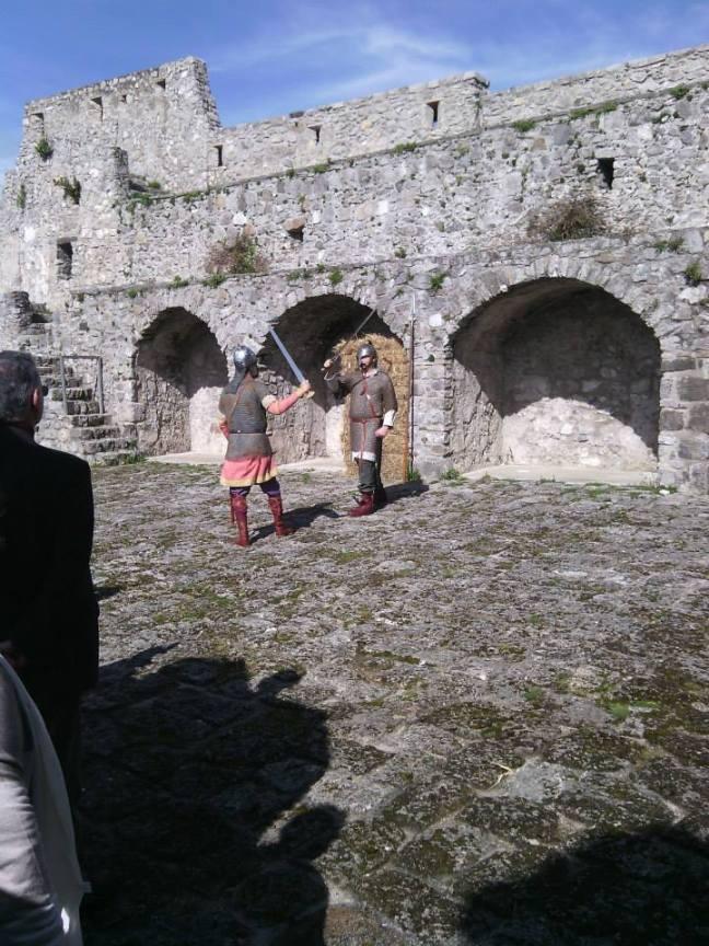 Scena dell'esercitazione tra il marphais e l'abate!