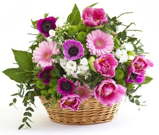 cesto-con-fiori-primaverili