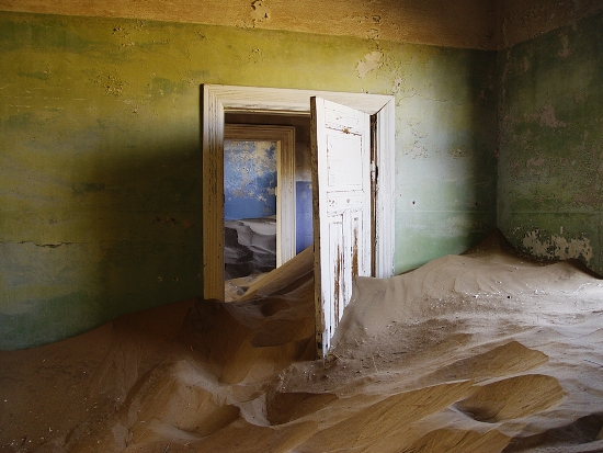casa-sommersa-dalla-sabbia-Kolmanskop-4