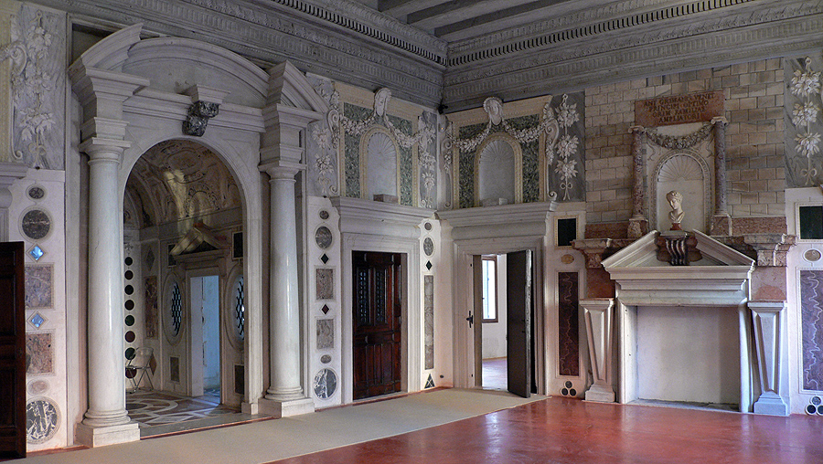 Palazzo_Grimani._Salone.jpg