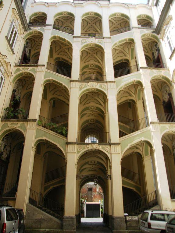 800px-Palazzo_dello_Spagnuolo_(2).jpg