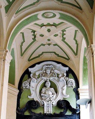 baroccoinnapolidettaglio-del-soffitto-di-un-corridoio-nelpalazzodispagnolo