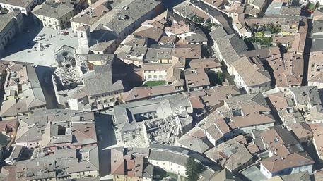 """Terremoto: a Norcia, è stato """"la fine del mondo"""""""