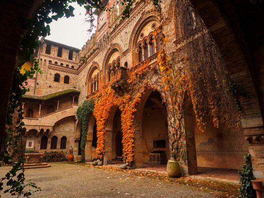 Castle of Grazzano Visconti2.jpg