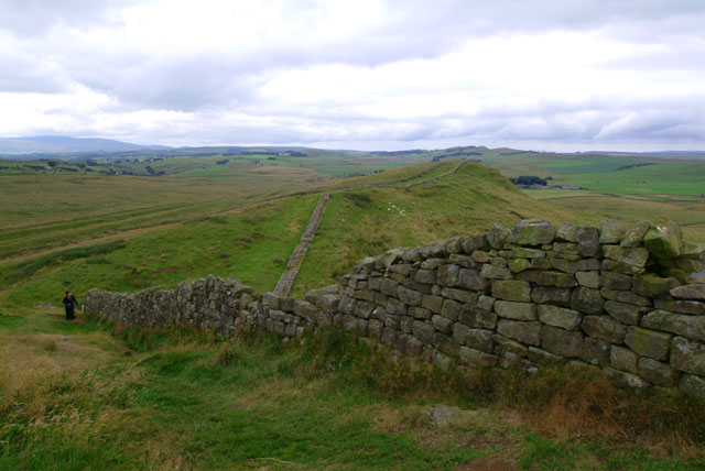 hadrians_wall_view_near_greenhead