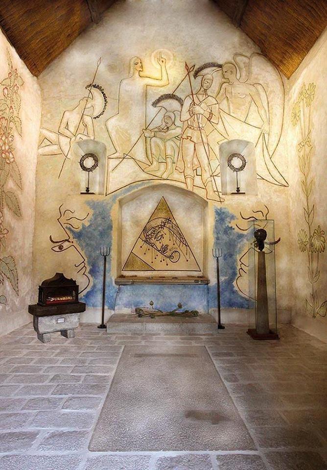 Cappella Santa Blaise-semplici è decorata da Jean Cocteau