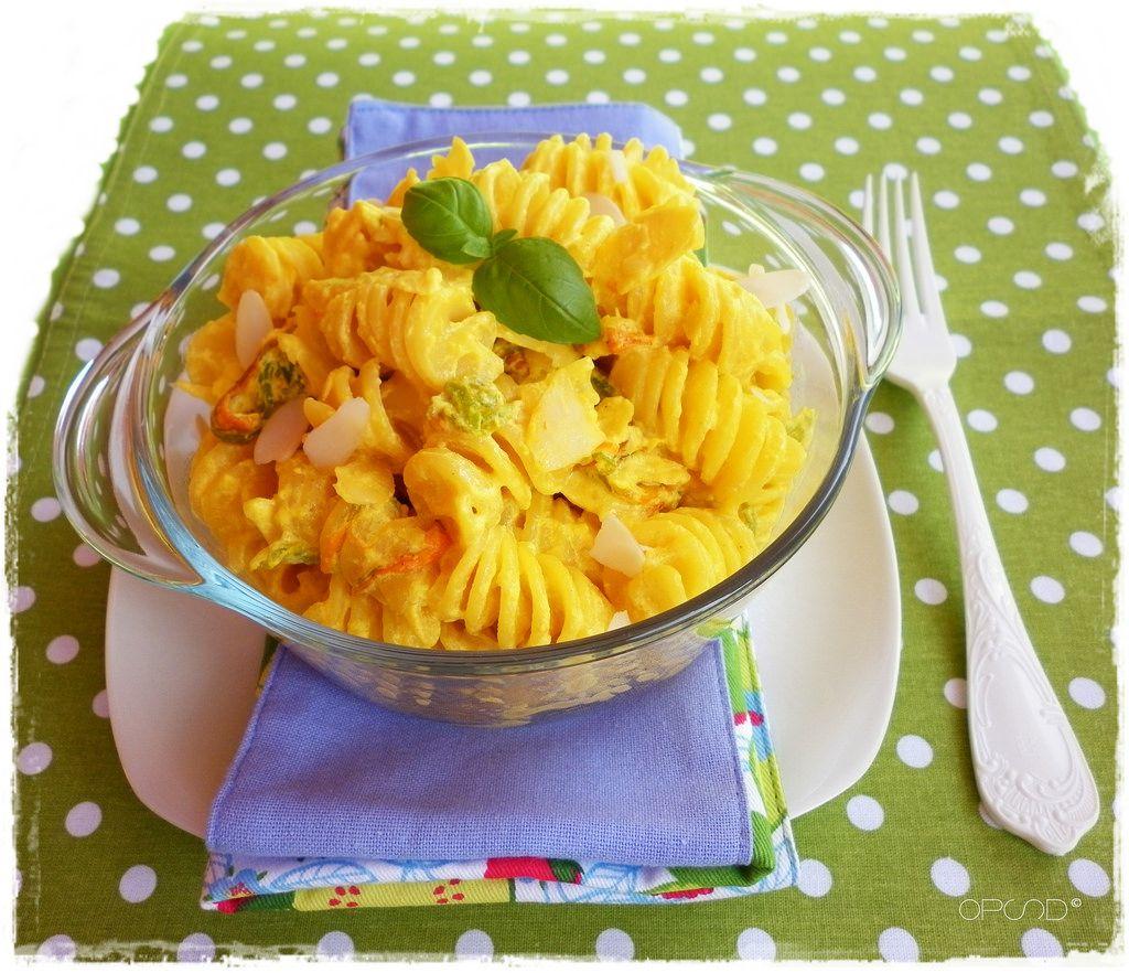 pasta-in-salsa-di-fiori-di-zucca