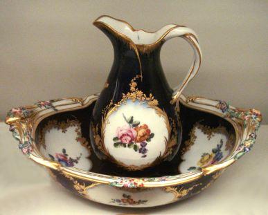 Vincennes_soft_porcelain_vase_1753.jpg